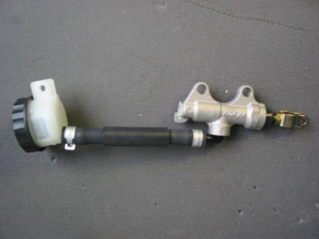 43015-0005 zx6 04 cyl master assy